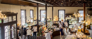 日本全国、世界のガラス作品が集まる「黒壁ガラス館」 ※黒壁HPより